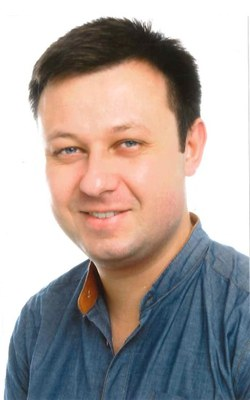 Dr. Tomasz Lis